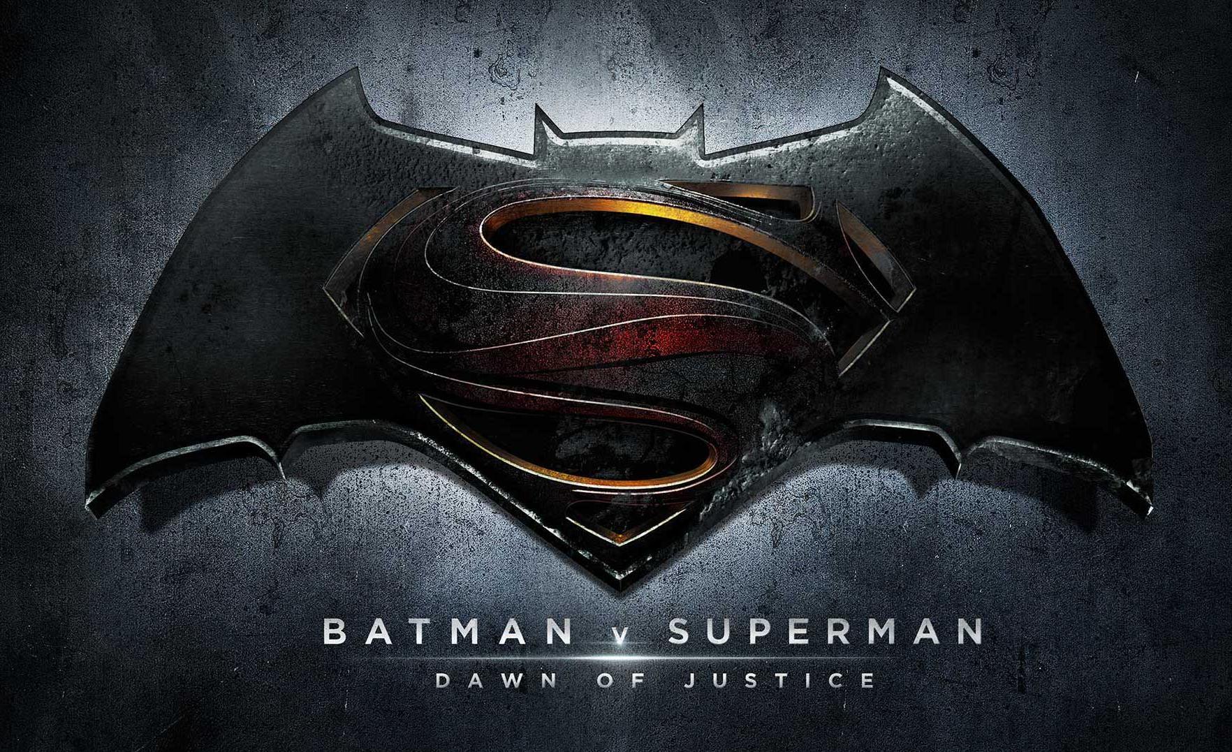 http://es.batman.wikia.com/wiki/Batman_v_Superman:_Dawn_of_Justice