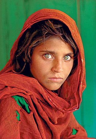 """La niña afgana"" de Steve McCurry"